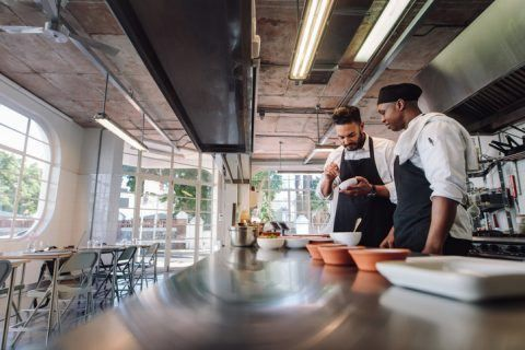 Hiring Restaurant Employees: The How-To Guide