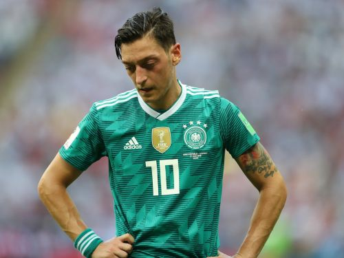 Mesut Özil retires from the German National Team, accusing the federation of racism