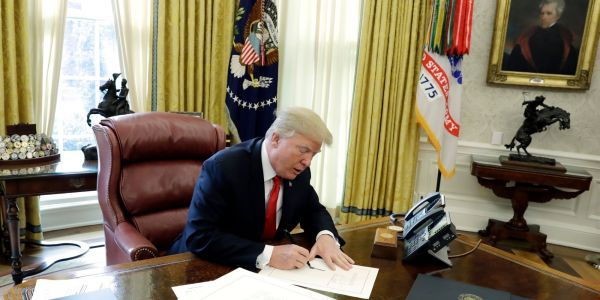 Inside Trump's daily routine, which includes 3-4 hours of sleep, 'executive time,' and no breakfast