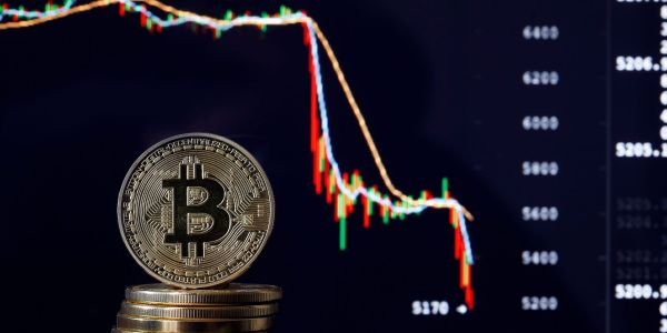 Bitcoin is facing an additional drop of 23% from current levels after breaching a key resistance level