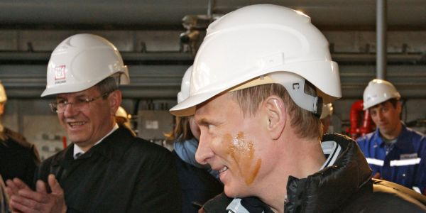 Oil is taking a hit after US inventories gain while Putin says prices are 'absolutely fine'