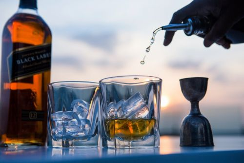The 3 mistakes people make when buying, ordering, and drinking whisky - and what to do instead