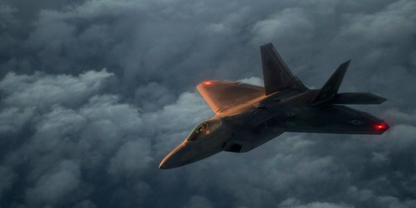 Russian fighter pilot says he beat an F-22 in a mock dogfight and locked onto it, but Pentagon throws cold water on claims