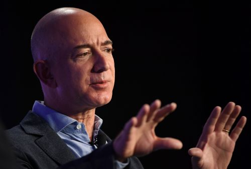 Jeff Bezos details his moon colony ambitions