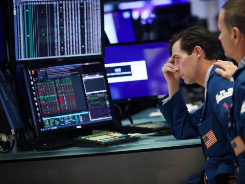 'Robinhood investors should not be taking their retirement accounts to the Wall Street casino': Investing experts explain why stock picking is a zero-sum game and how to achieve market returns passively
