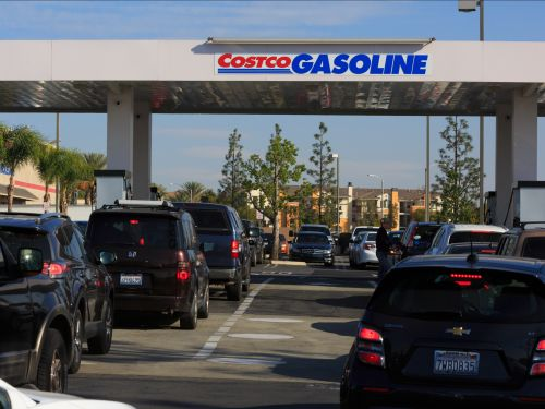 Costco's cheap gas gives it a huge advantage over Sam's Club and BJ's - here's why members are crazy about it