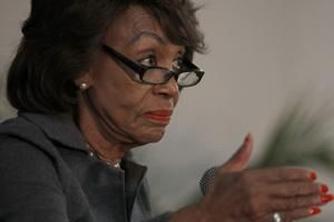 Rep. Maxine Waters sets House committee hearing on Facebook's Libra