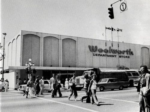 10 US chain stores where everyone used to shop that no longer exist today