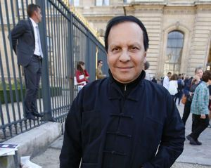 Designer Azzedine Alaia, known for clingy style, dies at 77