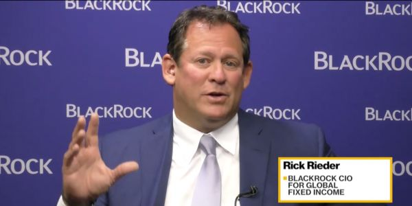 BlackRock's $1.7 trillion bond chief tells us his biggest market fear