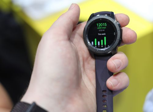 Samsung courts mainstream users with the Galaxy Watch