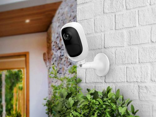 This $115 outdoor security camera lets me keep an eye on my porch from anywhere in the world