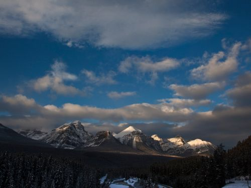 3 professional climbers have been confirmed dead after an avalanche in Banff National Park