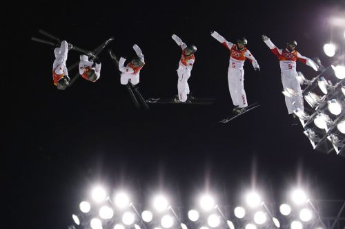 11 incredible multiple-exposure photos show what Winter Olympic athletes look like in motion