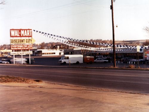What Walmart, Costco, and other famous retailers looked like when they first opened