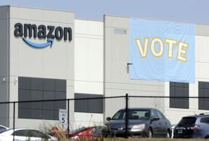 Amazon takes early lead as union vote count gets underway
