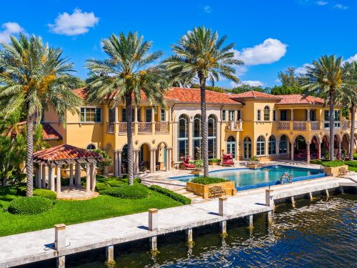 Wall Street comes to Fort Lauderdale: A Florida mansion with a fully functional stock trading floor just hit the market for $12.99 million. Take a look inside
