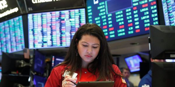 US stocks climb as traders place bets on last-minute stimulus breakthrough