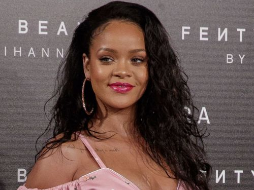 Rihanna wore her hair in a bath towel on the cover of Vogue - and she made it look effortlessly chic