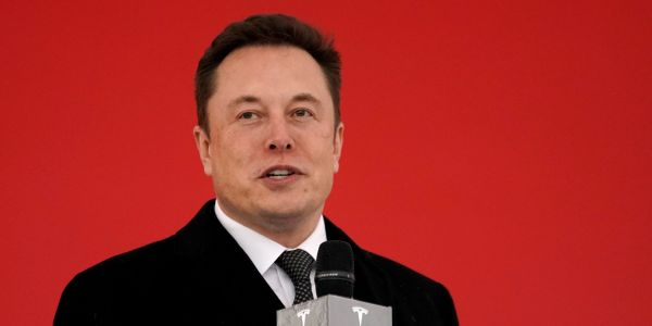 Elon Musk says Tesla will have 1 million robo-taxis on the road next year, and some people think the claim is so unrealistic that he's being compared to PT Barnum