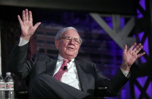 WARREN BUFFETT: We're hunting for an 'elephant-sized acquisition'