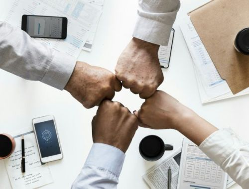 5 Tips for Running a Business with Your Partner