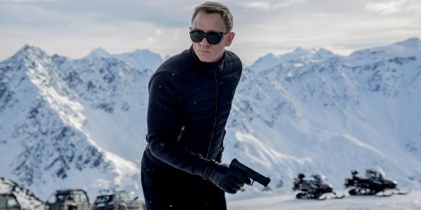 Daniel Craig will have ankle surgery following an injury on the set of latest James Bond movie