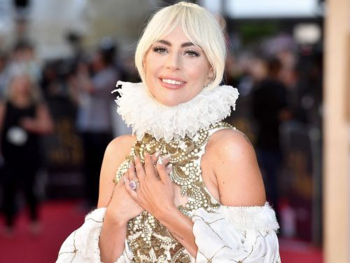 Lady Gaga's pink engagement ring is estimated to be worth $300,000, and it looks a lot like the ones Princess Eugenie and Kate Middleton wear