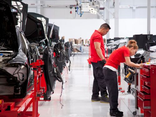 Tesla factory workers took twice as many days off last year than in 2017 because of injury or sickness