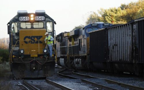 CSX tumbles 7% after CEO goes on medical leave