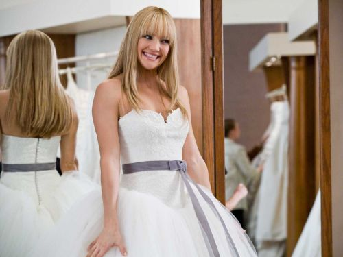 12 little-known ways to save on a wedding dress