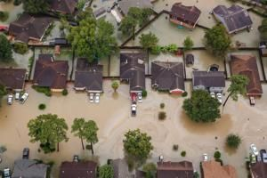 Rising sea levels could flood more than 5,500 Texas homes by 2030, new study says