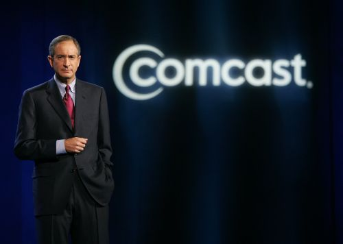 Comcast beats, adds more internet subscribers than expected