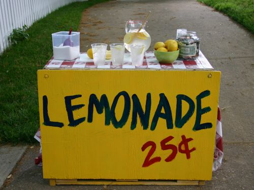 A 7-year-old from Alabama is selling lemonade to help pay for her brain surgeries