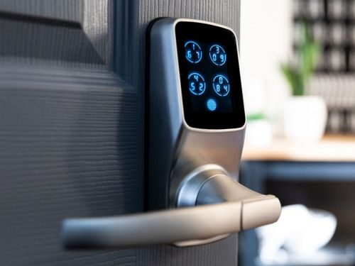 This $280 smart lock makes keyless entry into my house effortless while boosting security its fingerprint reader