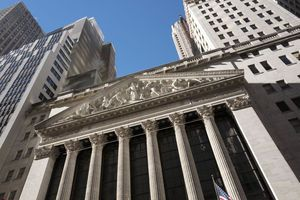 US stock indexes move higher in late-afternoon trading