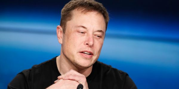 Video game fan Elon Musk wants to put video games in every Tesla, and he's asking game designers to apply