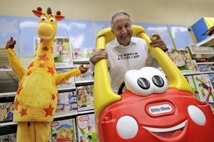 California toy mogul Isaac Larian gives up on bid to buy hundreds of Toys R Us stores