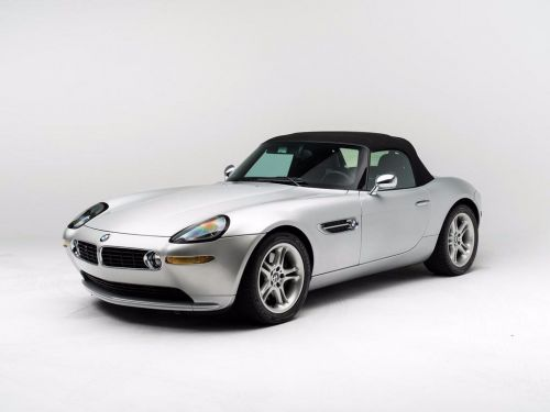 A BMW sports car once owned by Steve Jobs is going up for auction - and it's expected to sell for up to $400,000