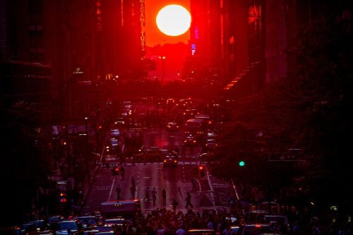 A stunning 'Manhattanhenge' sunset is happening on Friday and Saturday in New York City. Here's how to see it