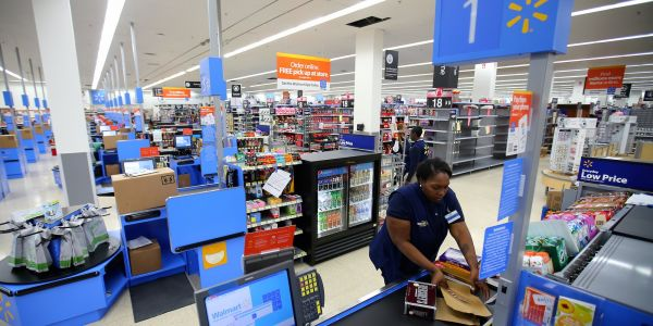 It's 'difficult to ignore the magnitude' of Walmart's e-commerce slowdown