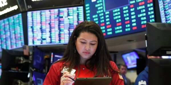 US stocks dip as rising Treasury yields take steam out of market rally