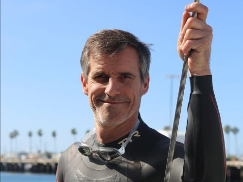 A French swimmer is racing to become the first person to swim across the Pacific. Here's what his days in the water are like