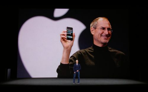 Apple's plan to give away most of its cash might have had an unlikely supporter: Steve Jobs