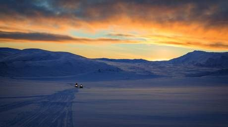 China pledges to build 'Polar Silk Road' by developing Arctic shipping routes