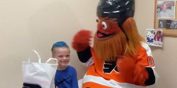 Flyers mascot Gritty surprised a 7-year-old Flyers fan in the hospital and left him speechless