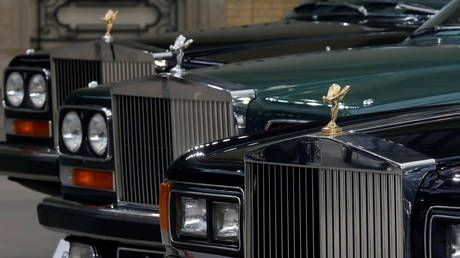 Rolls-Royce junk? Legendary British firm's credit rating cut below investment grade