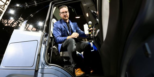 Nikola sinks 22%, extending sell-off amid report of potential partnership talks put on hold