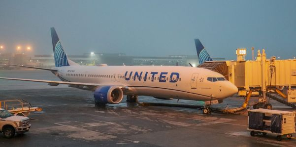 Boeing spikes 7% after United Airlines places order for 25 new 737 MAX planes