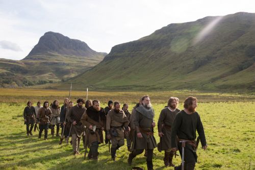 Netflix's 'Outlaw King' isn't terrible, but the only memorable thing about it is Chris Pine's breezy full-frontal scene